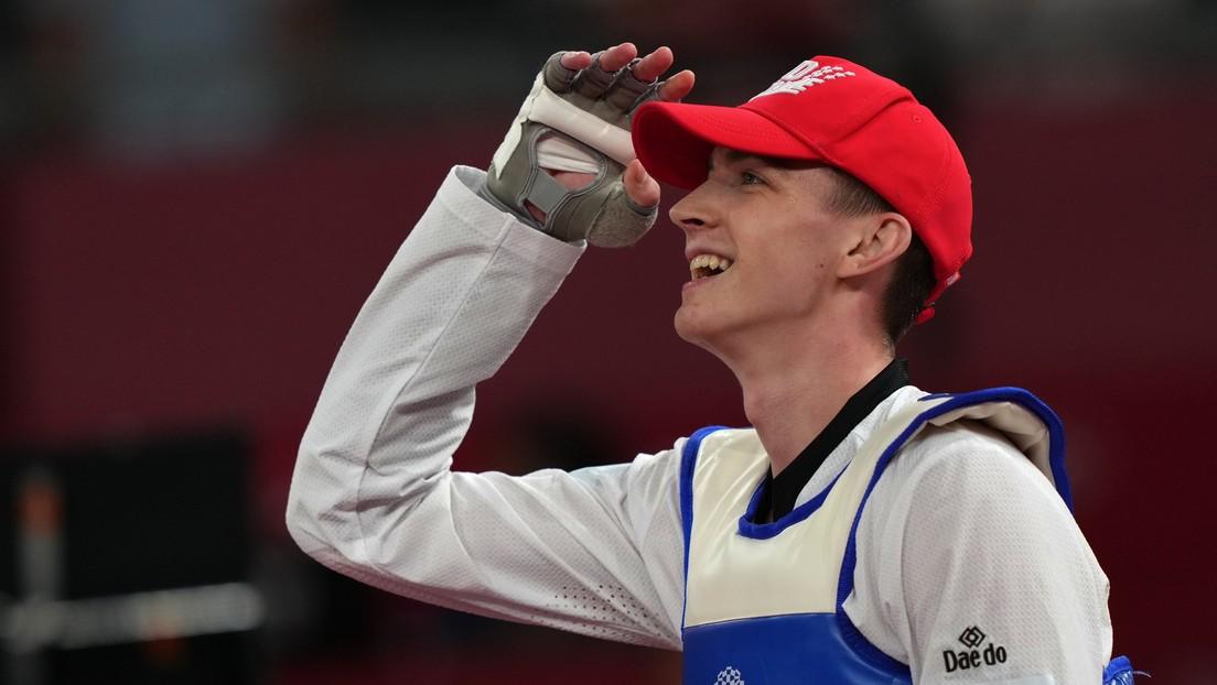 El luchador de taekwondo ruso Maxim Jramtsov gana el oro olímpico en Tokio