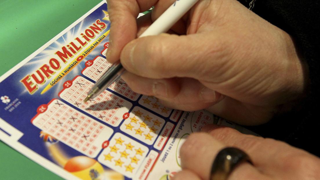 En Reino Unido buscan a una persona que ha ganado más de un millón de dólares a la lotería y que probablemente no lo sabe