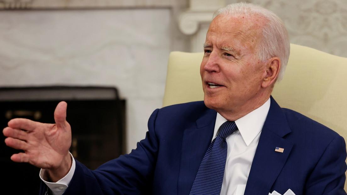 """Biden califica de """"dolor de cuello"""" a una reportera que no cumplió con su petición de hacer preguntas """"sobre Irak"""" (VIDEO)"""