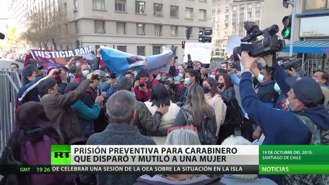 Prisión preventiva para un carabinero que disparó y dejó ciega a una mujer durante una protesta en Chile