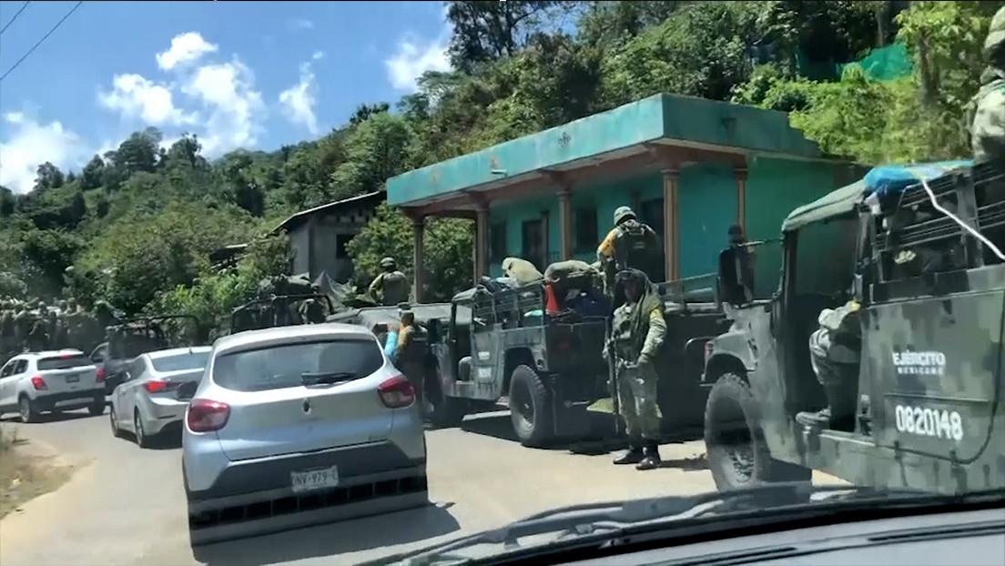 VIDEO: Un nuevo grupo de autodefensa toma un municipio de Chiapas y secuestra a 21 personas presuntamente vinculadas a una organización criminal