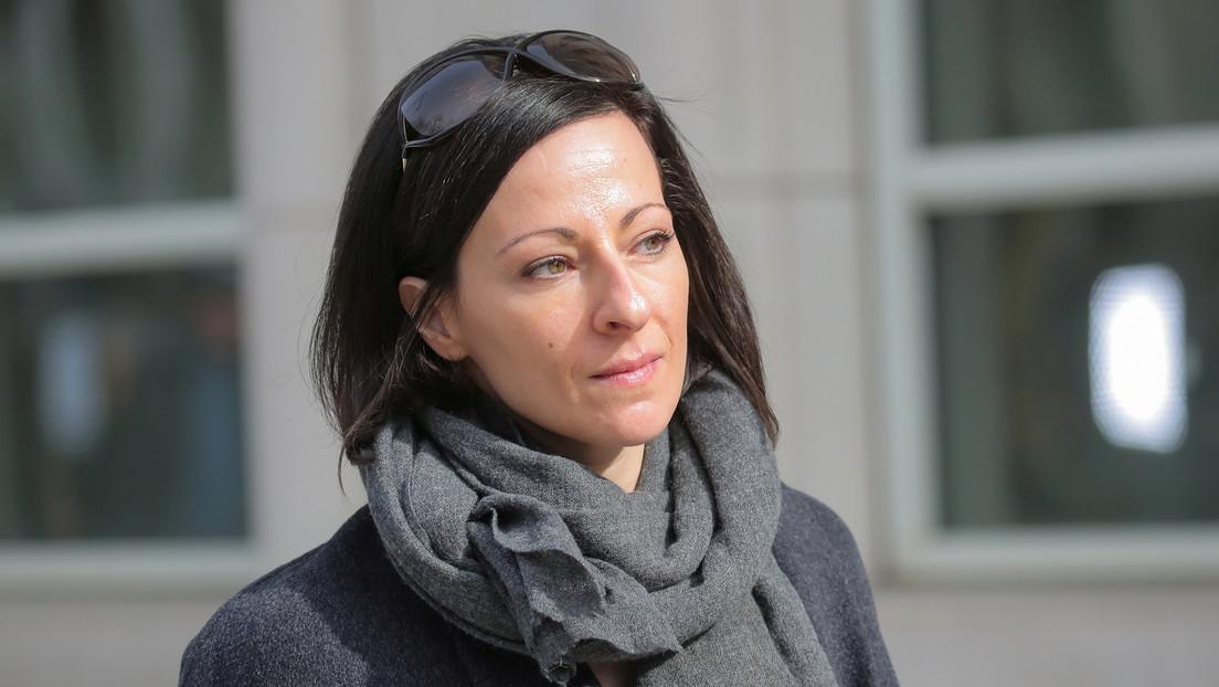 """Una líder de alto rango de la secta sexual NXIVM evita la cárcel gracias a su """"extraordinaria"""" cooperación con las autoridades"""