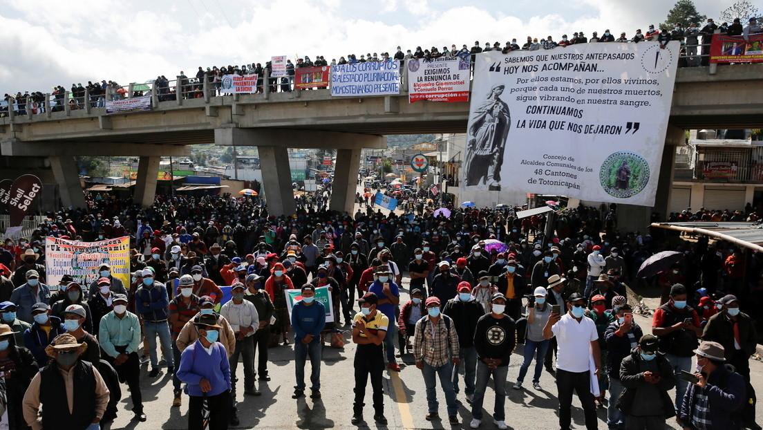 La razón por la que miles de guatemaltecos han salido a las calles a pedir la renuncia de Giammattei y la fiscal Consuelo Porras