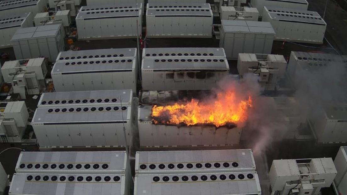 FOTOS: Arde en Australia un gigantesco acumulador de Tesla de 13 toneladas