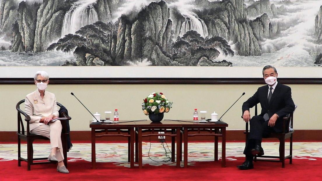 China y EE.UU. intentan otra vez establecer un diálogo en medio de fuertes tensiones: ¿cómo transcurrió la reunión en Tianjin y qué esperar?