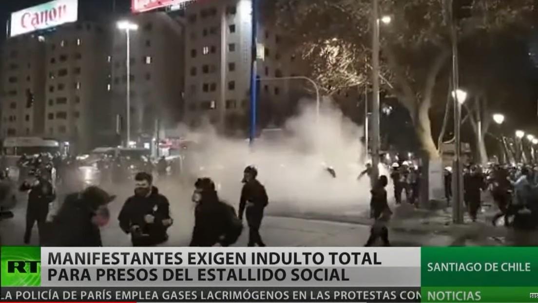 Manifestantes en Chile exigen indulto total para presos del estallido social