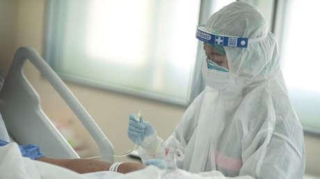 Una enfermera vacunada con dos dosis de sinovac contrae el covid-19 y muere