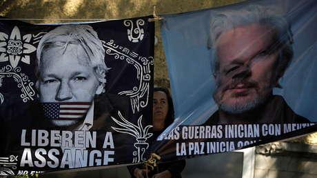 120 políticos, periodistas y artistas alemanes firman una carta instando a Merkel a confrontar a Biden por la extradición de Assange a EE.UU.
