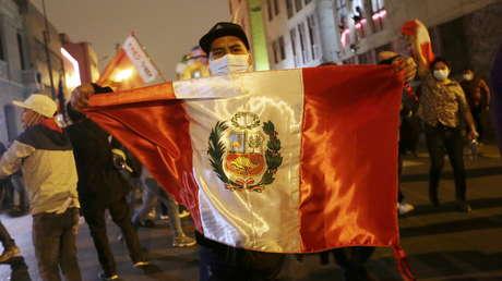 Amenazas de muerte, intentos de golpe de Estado y 'terruqueo': la Fiscalía de Perú abre investigación a periodistas y políticos