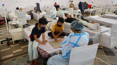 """""""La pandemia oculta de la orfandad"""": un millón de niños en todo el mundo perdieron a uno de sus padres a causa del coronavirus, según un estudio"""