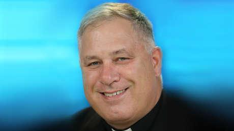 Dimite el principal funcionario de la Iglesia católica de EE.UU. tras revelarse que frecuentaba bares para homosexuales