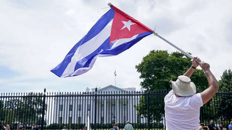 """Biden anuncia que EE.UU. revisará su """"política de remesas"""" respecto a Cuba para """"maximizar el apoyo al pueblo"""""""