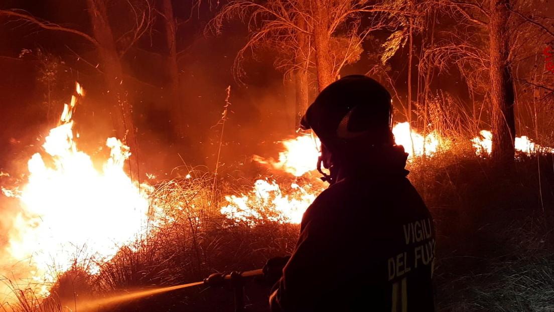 Incendios forestales azotan Italia y provocan la evacuación de 800 personas en Pescara (VIDEOS, FOTOS)