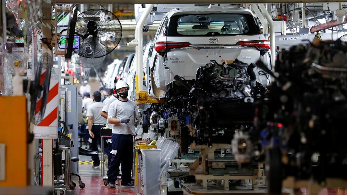 Toyota quiere contratar a 200 empleados en Argentina, pero no encuentra gente con la educación secundaria completa