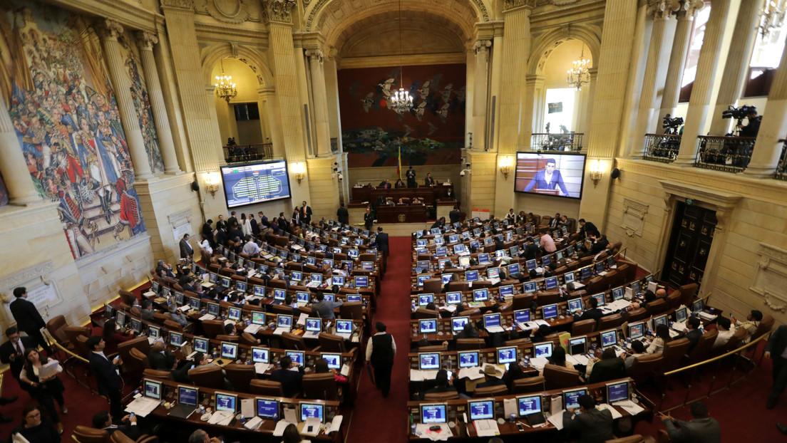 Las 9 preguntas (y respuestas) para entender por qué las víctimas del conflicto armado tendrían 16 curules en el Congreso de Colombia