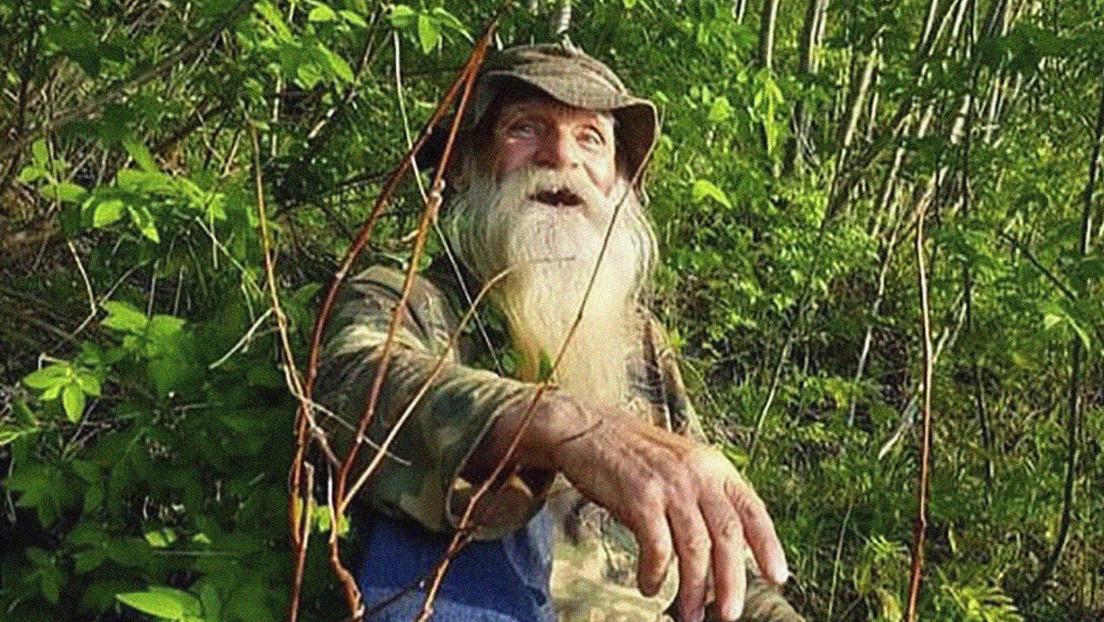 Obligan a un hombre de 81 años a dejar la cabaña en la que vive desde hace casi 30 años en un remoto bosque de EE.UU.