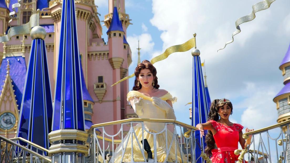 Detienen en EE.UU. a tres empleados de Disney World durante un operativo contra depredadores infantiles