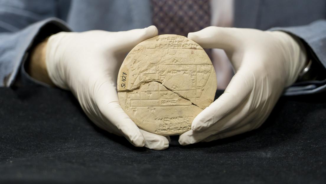 Un matemático descubre en una tablilla expuesta en un museo el ejemplo más antiguo de geometría aplicada