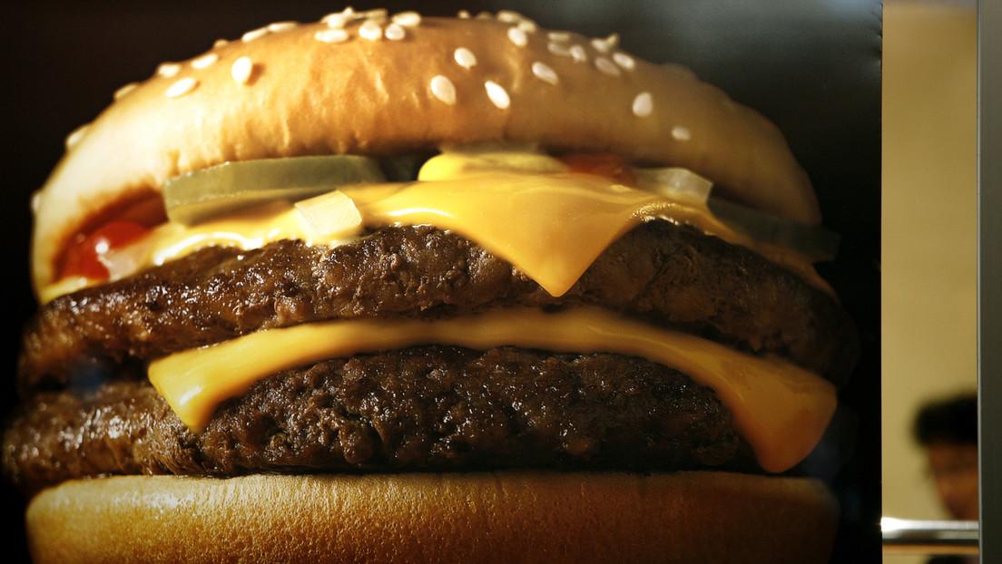 Una rusa demanda a McDonald's por 'tentarla' a romper su ayuno religioso con un anuncio de una hamburguesa