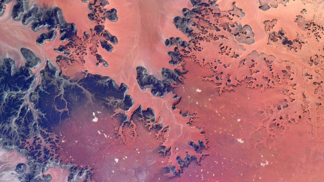 """""""¡Esta foto no es de Marte!"""": un astronauta comparte el paisaje del Sahara captado desde la órbita"""