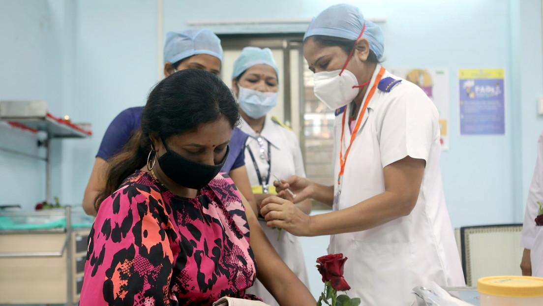 Un estudio indio muestra los beneficios del 'cóctel de vacunas' contra el covid-19, que es la base del fármaco ruso Sputnik V