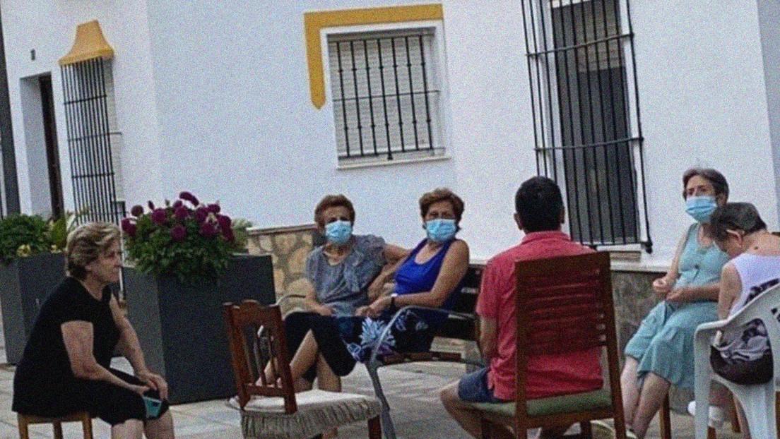 Un pequeño pueblo español quiere que su costumbre de conversar al aire libre sea Patrimonio de la Humanidad