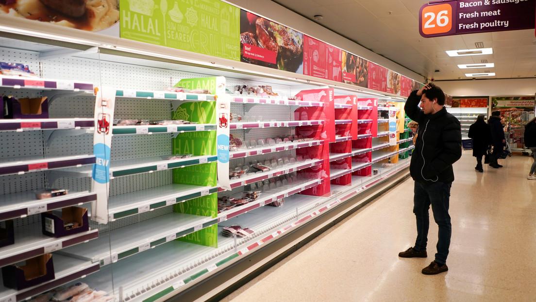El Gobierno británico recurrirá a 'camioneros' militares para paliar la crisis de suministro en supermercados