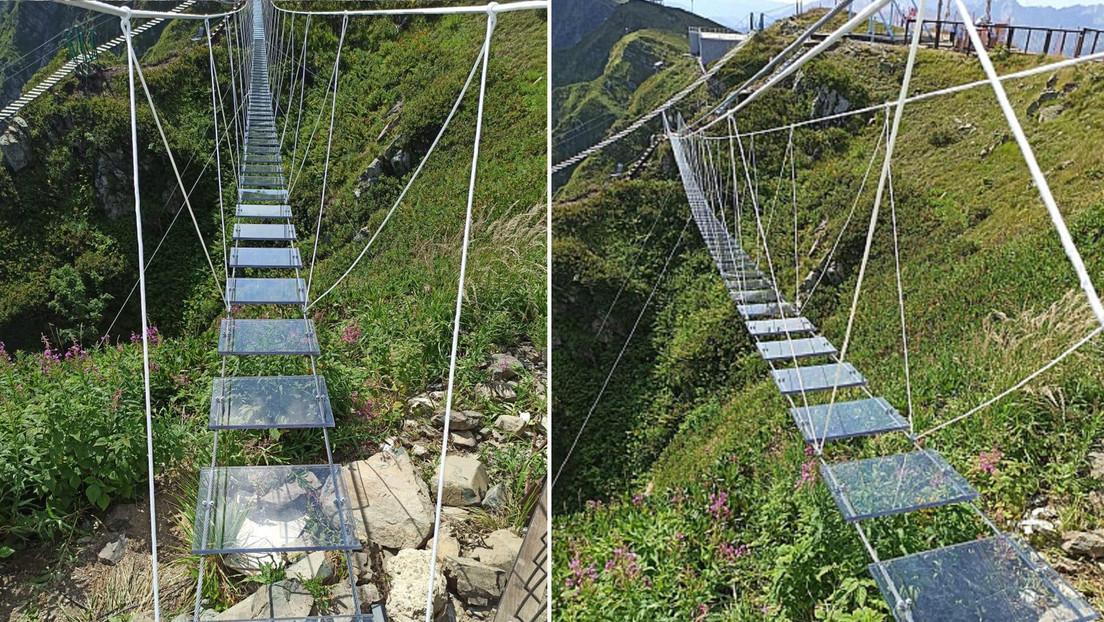 Inauguran un puente turístico móvil y transparente a más de 2.300 metros de altura en Sochi