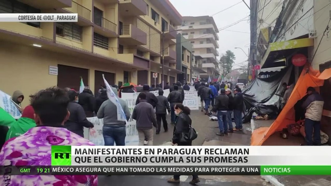 Manifestantes en Paraguay reclaman que el Gobierno cumpla sus promesas económicas y sociales