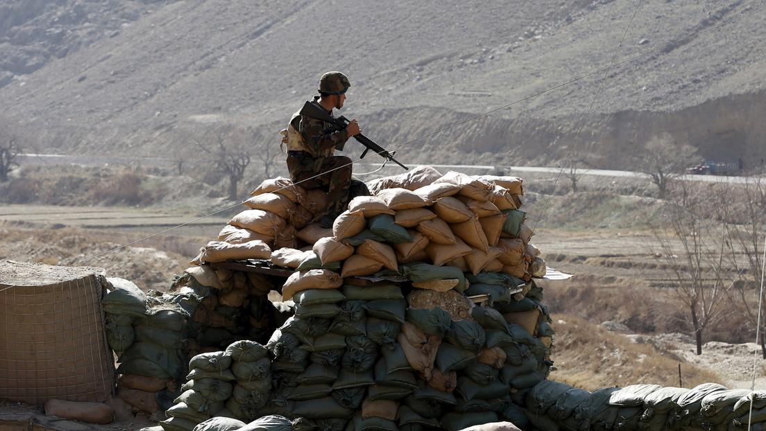 """Los talibanes capturan un total de 9 capitales provinciales en menos de una semana, mientras Biden insta a los afganos a """"luchar por sí mismos"""""""