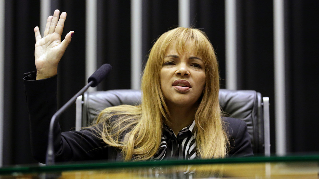 El Congreso de Brasil destituye a una diputada evangélica acusada de orquestar el asesinato de su marido con ayuda de 7 de sus 55 hijos