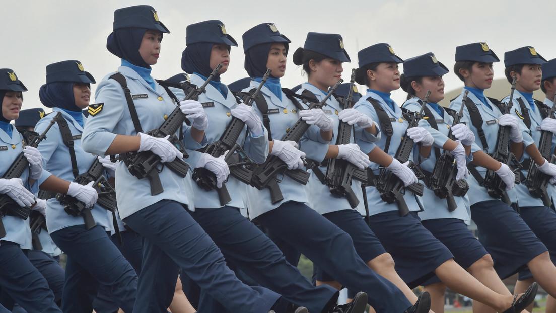 El Ejército indonesio pone fin a las pruebas de virginidad con los dedos para las reclutas, prácticas ampliamente criticadas por defensores de DD.HH.
