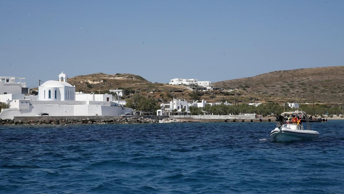 Un yate británico con al menos 17 pasajeros se hunde frente a una isla griega