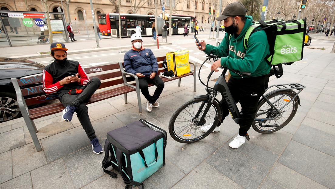 La llamada 'ley rider' entra en vigor en España y causa polémica entre los repartidores