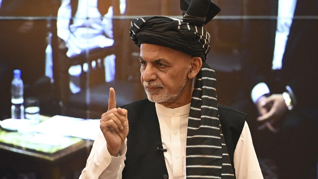 """Expresidente afgano tras abandonar el país: """"Los talibanes están aquí para atacar todo Kabul y me fui para evitar un derramamiento de sangre"""""""