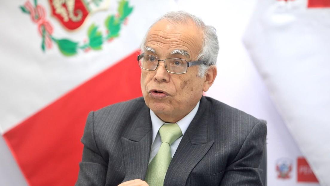 """Polémica en Perú por una vieja y """"desafortunada"""" declaración del canciller que alienta a la oposición a pedir un voto de censura"""