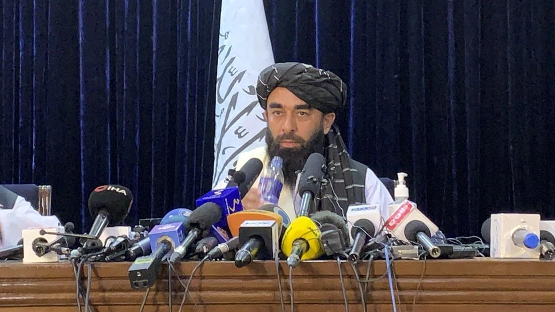 """Los talibanes aseguran que las mujeres """"estarán contentas"""" de vivir bajo la sharía"""