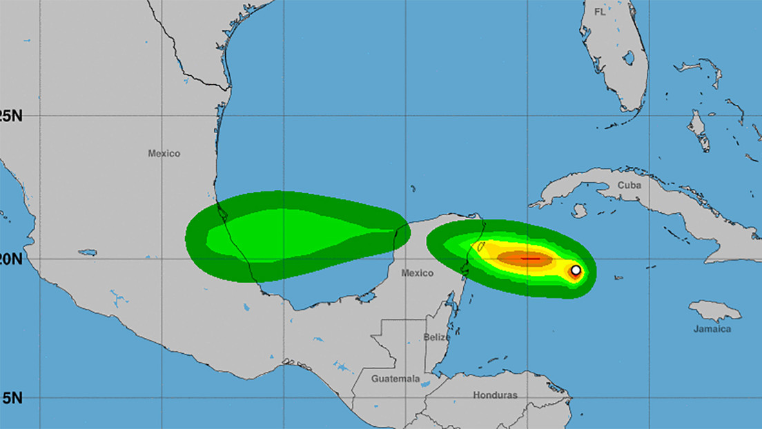 Así se prepara México ante la llegada del huracán Grace que impactará en la madrugada en la península de Yucatán