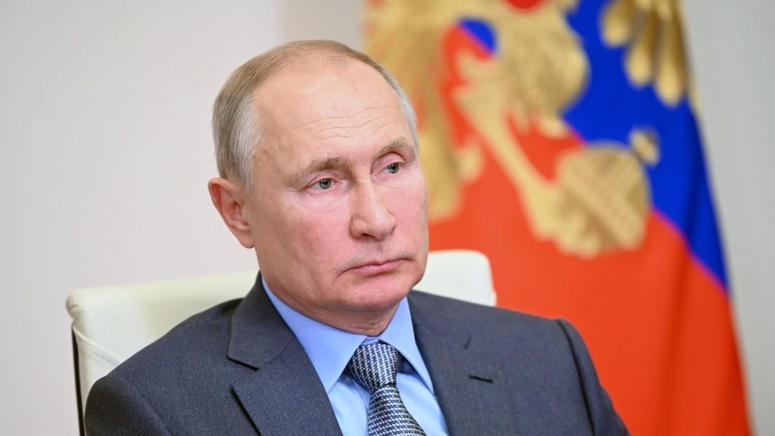 """Putin sobre la crisis en Afganistán: """"Hay que dejar de construir 'democracias' en otros países"""""""