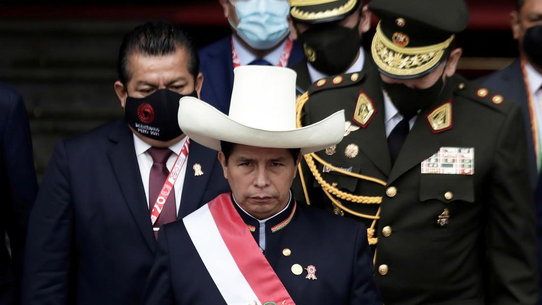 """Pedro Castillo anuncia """"sorpresas"""" en los precios del gas y alimentos en Perú a partir de la próxima semana"""