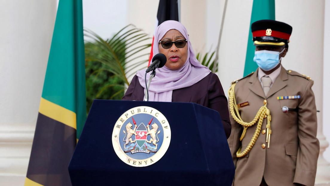 """La presidenta de Tanzania desata indignación al decir que las futbolistas del país tienen """"pechos planos"""" y no serían """"atractivas"""" para el matrimonio"""