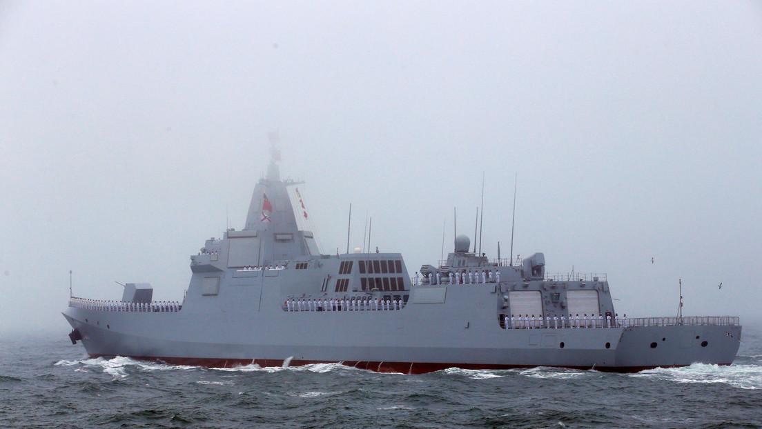 Japón denuncia el paso de una flotilla naval china encabezada por un poderoso destructor de misiles guiados a 100 kilómetros de sus costas