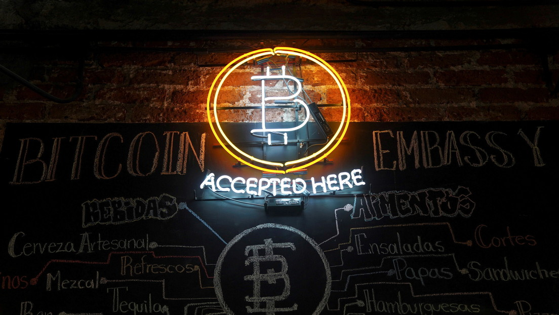 Most entrepreneurs expect cryptocurrencies to be a strong alternative to fiat money in 5-10 years, according to a Deloitte survey.