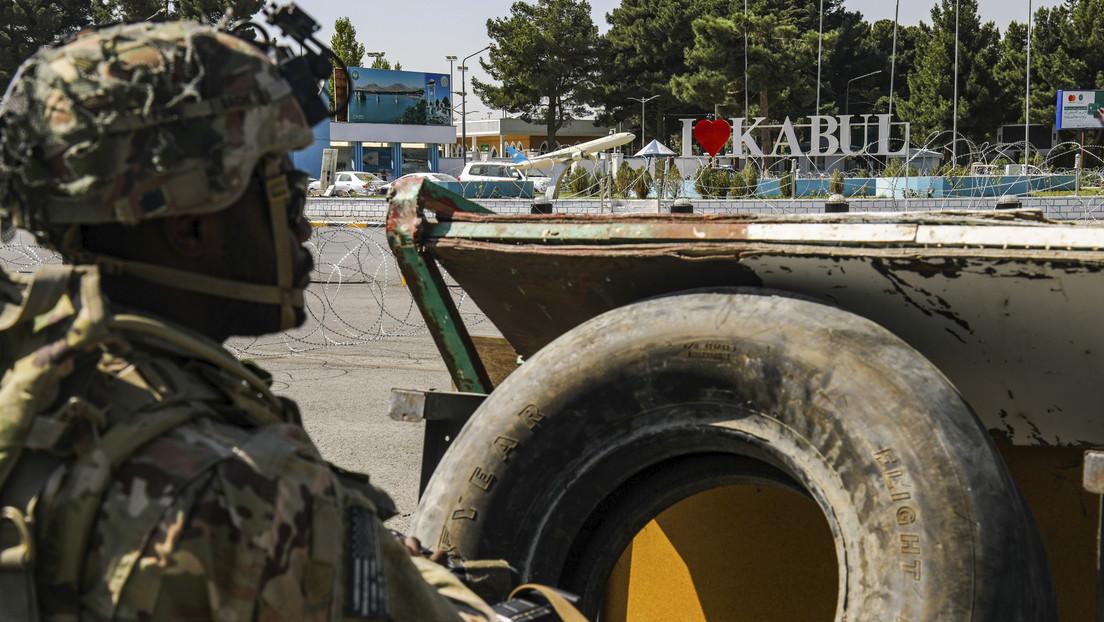 """El ministro de Fuerzas Armadas británico advierte que un ataque """"letal e inminente"""" contra el aeropuerto de Kabul puede ocurrir en las próximas horas"""