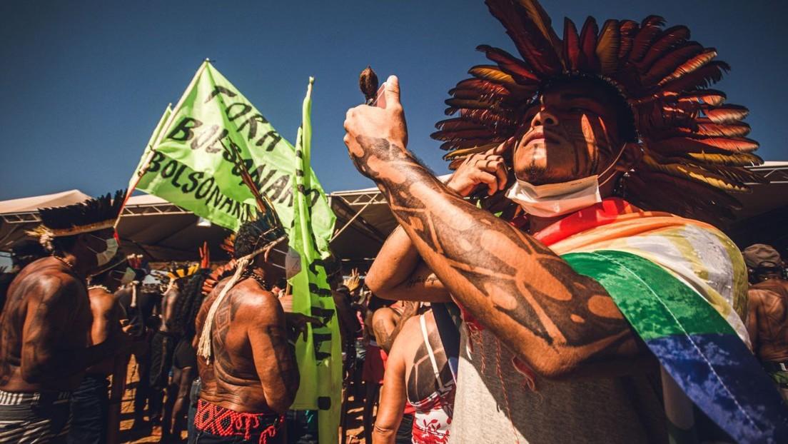 """""""El caso más importante del siglo"""": Cerca de 6.000 indígenas se movilizan hasta Brasilia por un juicio crucial para el futuro de sus tierras"""
