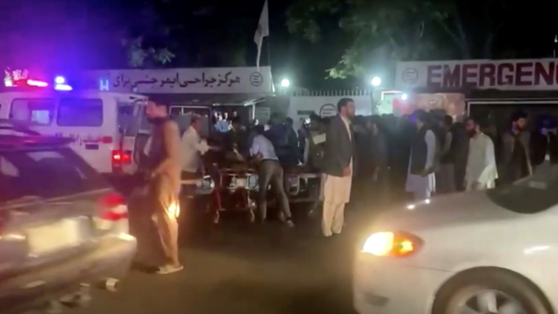 Todo lo que se sabe sobre los atentados en Kabul atribuidos al Estado Islámico, que dejaron decenas de muertos y cientos de heridos