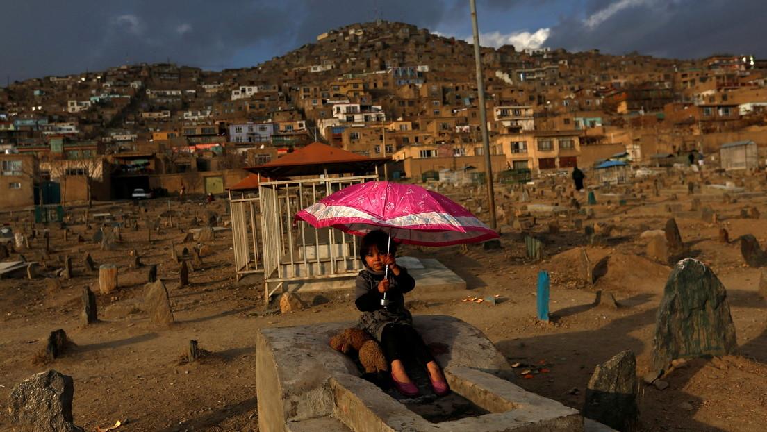 """Un periodista de EE.UU. pide que """"borren de la faz de la Tierra una ciudad afgana por cada estadounidense"""" muerto en Kabul y le llueven críticas"""