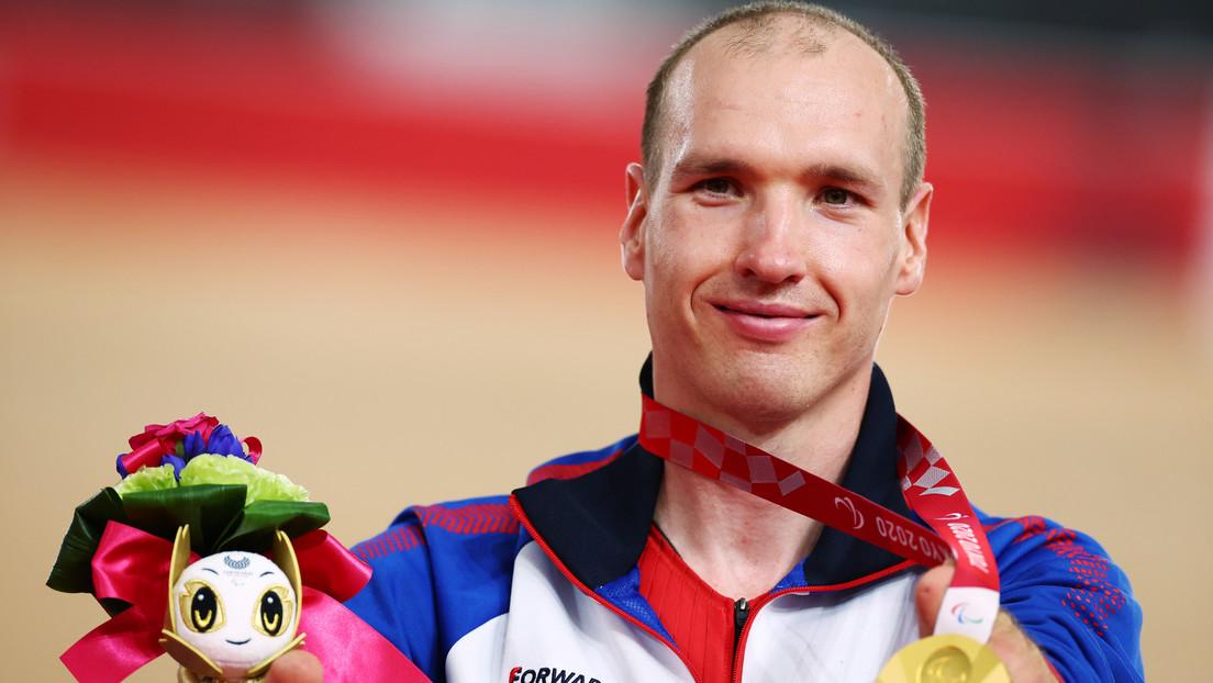 Un exrepartidor de comida ruso logra la medalla de oro en ciclismo en pista en los Juegos Paralímpicos de Tokio 2020