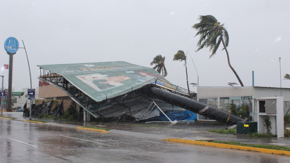 El huracán Nora toca tierra en México: publican fotos y videos de cómo azota al país