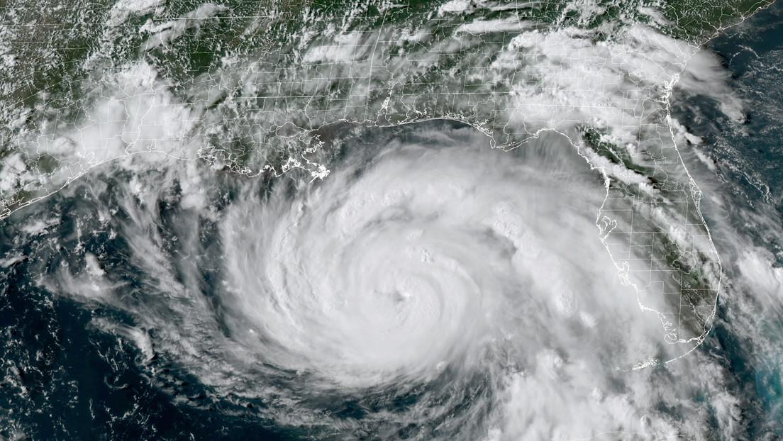 """Advierten de daños """"potencialmente catastróficos"""" en Luisiana y Misisipi por el huracán Ida, que ha alcanzado ya la categoría 4"""